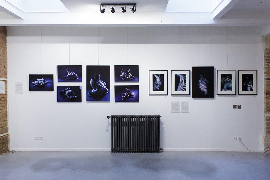 """Group show """"La caresse et le meurtre hésitent dans leurs mains"""", Le Loft, La Condamine, Paris"""