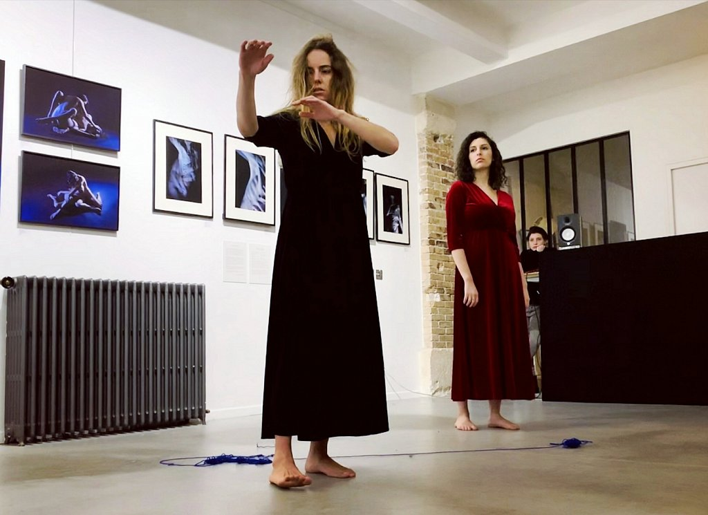 Performance L'Illusion d'une Fusion, May Rohrer & Paula Alves, 2019, Le Loft, La Condamine, Paris
